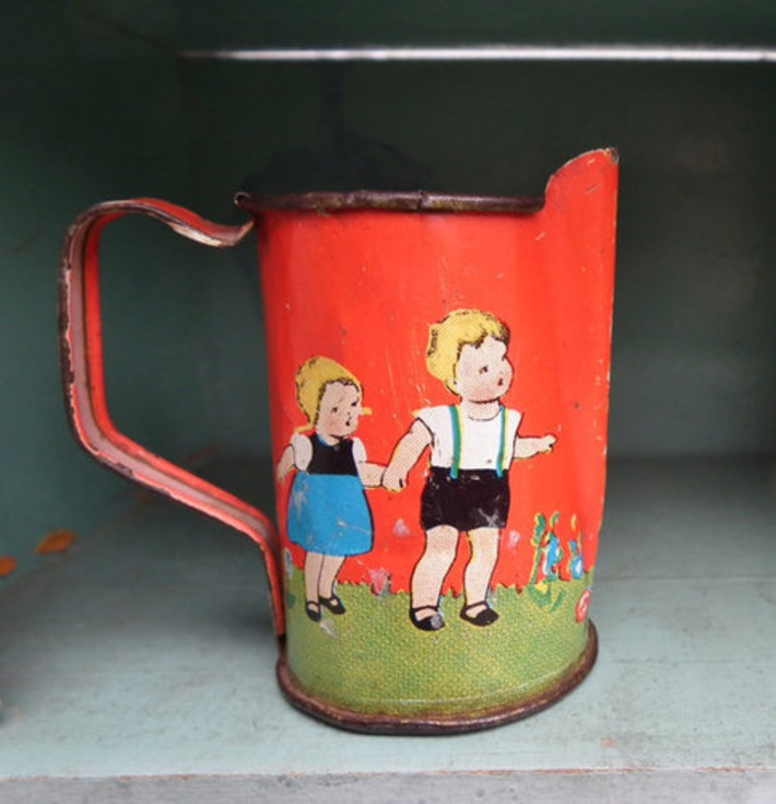 Vintage 30s Tinplate Toy Jug Teapot Hansel and Gretel Antique German Fairy Tale Dolls Miniature Pitcher Lithographed Tin Toy Germany 1930s | Antiques & Vintage Collectibles | Scoop.it