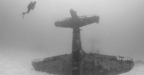 Photographer Documents An Underwater WWII Plane Graveyard | World at War | Scoop.it