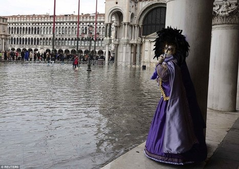Masks, wigs and Wellies in fashion as floods welcome Venice Carnival   Living In Italy   Scoop.it