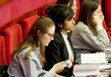 Jeunes diplômées: les meilleures astuces pour booster votre carrière - Elle | Post-bac et jeunes diplômés | Scoop.it