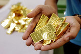 China Gold-Mine Deals at Record After Price Plunge: Commodities - Bloomberg   Goog.Biz   Scoop.it