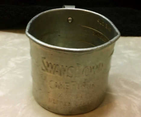 Swans Downs Cake Flour Measuring Cup Double Spouts Antique Advertising Vintage Kitchenalia | Antiques & Vintage Collectibles | Scoop.it