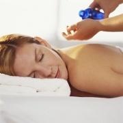 Santé: le massage a un impact sur les systèmes immunitaire et hormonaux   PsychoMédia   zenitude - toucher bien-être strasbourg   Scoop.it