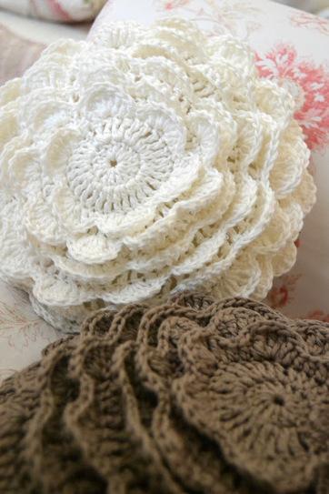 Cream Life: Cuscini all'uncinetto | DIY bijoux & decor | Scoop.it