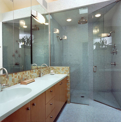 Layout Dilemma: Bathroom remodeling considerations   Decorismo   Shower Enclusures   Scoop.it