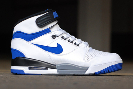 Nike Air Revolution 2013 – 2 coloris originaux pour juillet ! | sneakers-actus.fr | Scoop.it