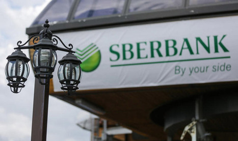 Russians Pull $5 Billion Out of Banks as Ruble Plummets | Business | Communication in Business | Scoop.it