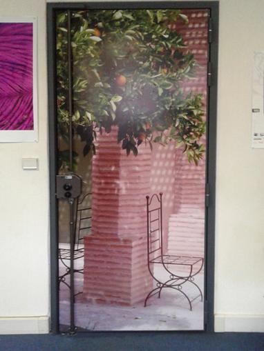 Décors adhésifs pour porte - Film adhésif pour porte - Graphic'Arts, Paris (mobile) | Lettrage adhésif et impression numérique | Scoop.it