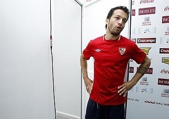 """Cicinho está """"tranquilo y con ganas jugar""""  SEVILLA FUTBOL CLUB   Deportes   Scoop.it"""