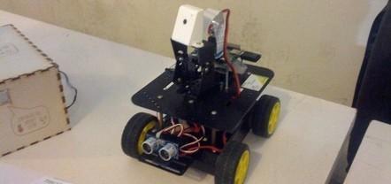 Construye un robot con tarjetas de crédito y Arduino | tecno4 | Scoop.it