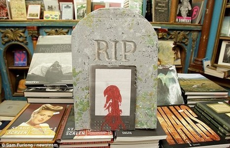 Un libraire organise un enterrement de première classe au Kindle, l'ennemi   BiblioLivre   Scoop.it