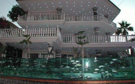 Video turquie un aquarium fait office de cl for Construire avec un architecte