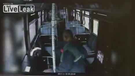 Buschauffeur ramt passagier in elkaar | MaCuSa | Scoop.it