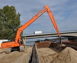 Doosan Excavators for Wharf and Quarry Work in Poland | Earthmoving & Compaction | Scoop.it
