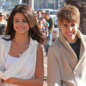 "Selena Gomez ""Sad"" About Justin Bieber Breakup, Says Source - E! Online 