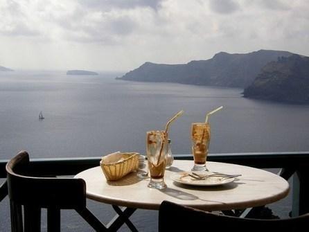 A Romantic Luxury Vacation in Santorini | TravelersPress | Goldenlist | Scoop.it