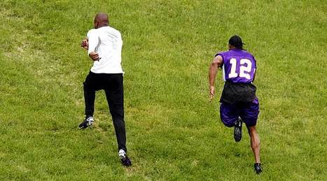 Five Months After Knee Injury, Adrian Peterson Already Outrunning Teammates   Sooner4OU   Scoop.it