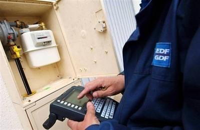 Un technicien ErDF menacé de licenciement pour refus de couper le courant | ECONOMIES LOCALES VIVANTES | Scoop.it