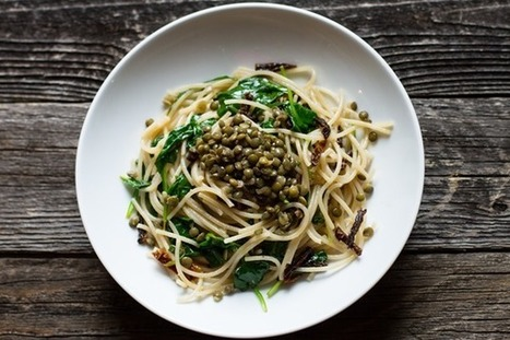 edible perspective - Home - lemon, olive oil, + roasted garlic pasta with spinach and lentils | being happy | Scoop.it