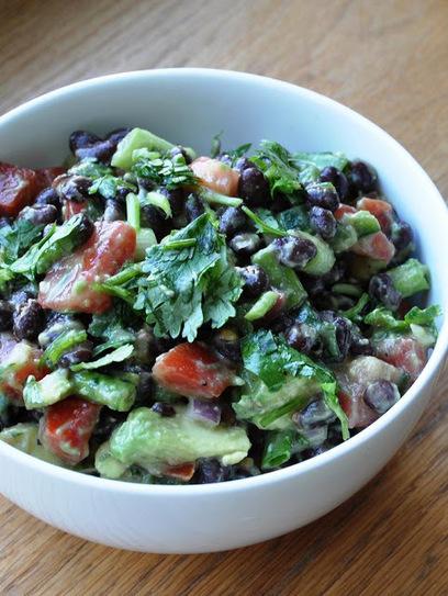 A healthy Avocado & Black Bean Salad| Honey, What's Cooking? | Food | Scoop.it
