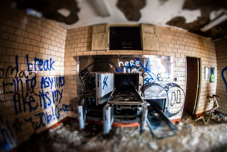 'Mad' Photos Of Deserted Psychiatric Hospital | Urban Decay Photography | Scoop.it