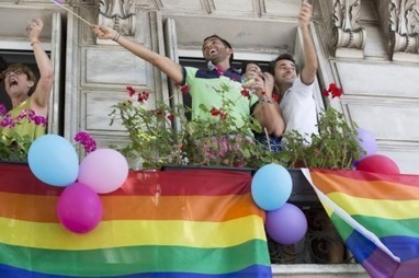 A paris, une gay pride festive et des revendications | Les infos de SXMINFO.FR | Scoop.it