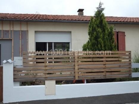 Fence with pallets barri re en palette - Barriere en palette ...