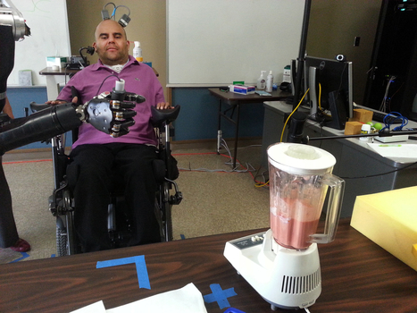 Paralyzed man uses his thoughts to control a robotic arm | INTRODUCTION TO THE SOCIAL SCIENCES DIGITAL TEXTBOOK(PSYCHOLOGY-ECONOMICS-SOCIOLOGY):MIKE BUSARELLO | Scoop.it