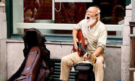 """Busking in Brussels"" - Photo  Belgium by frangliz - IgoUgo 