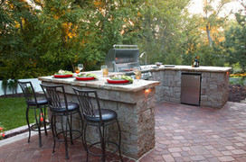 13 Upgrades to Make Over Your Outdoor Grill Area | HOMEspaces | Scoop.it