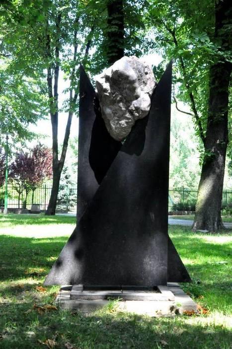 "Wela: ""Suspended Gravitation"" | Art Installations, Sculpture, Contemporary Art | Scoop.it"