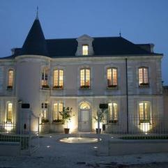 Nuit et petit-déjeuner dans un château au cœur du Médoc | Hébergement et sortie viticole sur Mon Vigneron | Tourisme viticole en France | Scoop.it