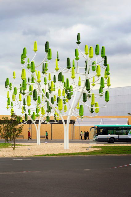 A new kind of fake tree has spinning leaves that... - eco3tree | Eco Friendly | Scoop.it