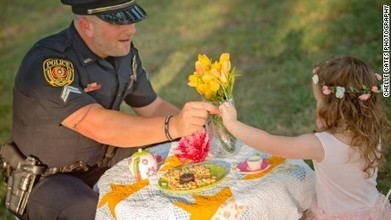 Little girl has tea party with police officer who saved her life | Elevate Christian Network News | Christian World News and Events | Scoop.it