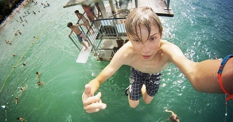 14 Extreme Selfies That Push Duck Face Off a Cliff | Just Plain Cool. | Scoop.it