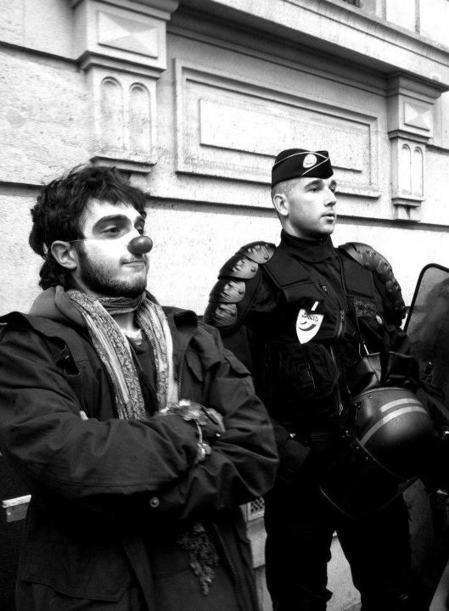 Y'a des clowns partout en France... | #marchedesbanlieues -> #occupynnocents | Scoop.it