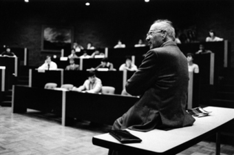 Peter Drucker: The Father of Management Theory | MGMT 307 (Hayden) | Scoop.it