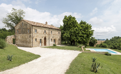 Rustic Stable House Is Disassembled and Transformed into Modern Holiday Home | Le It e Amo ✪ | Scoop.it