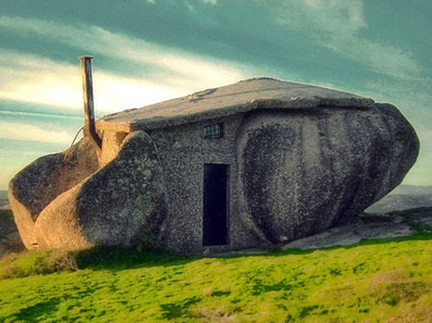 Real Life Flintstones House Lures Tourists in Portugal | sustainable architecture | Scoop.it
