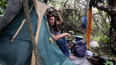 Homeless high-flier living in tent on the Gold Coast, washing in the ocean | Camping | Scoop.it