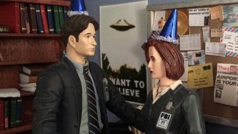 Hang out with tiny Mulder and Scully in their miniature X-Files office | What's up, TV? | Scoop.it