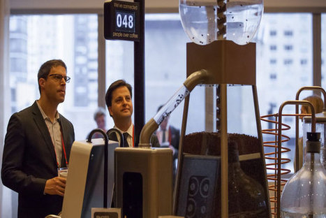 The LinkedIn Of Coffee Machines Only Brews Coffee When Two People Are Waiting [Video] | MarketingHits | Scoop.it