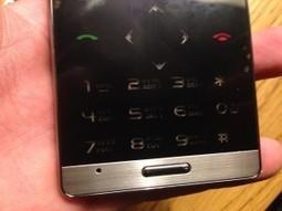 Aiek M3 Credit Card Sized GSM Phone Review | Shop IT | Scoop.it