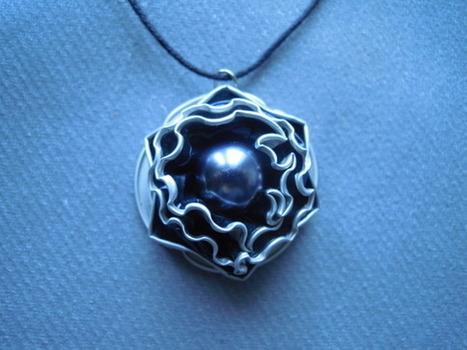 bijou collier fantaisie capsules de café nespresso  : Collier par bijbox | bij - box ( bijoux à partir de capsules nespresso) | Scoop.it