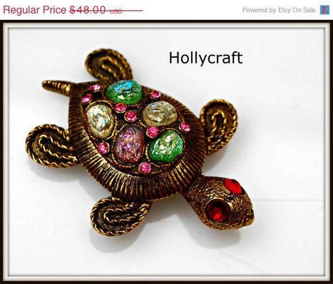 Vintage Hollycraft Colorful Turtle Brooch   Vintage Jewelry   Scoop.it