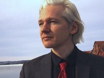 Julian Assange is Helping Edward Snowden Seek Asylum in Iceland | Independant Thought | Scoop.it