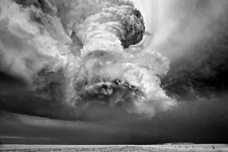 Awe-Inspiring Photos of Swirling Superstorms Belie Their Destructive Power...   Art for art's sake...   Scoop.it