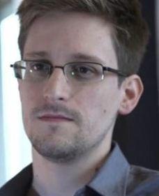 Nieuws | 'Klokkenluider PRISM duikt onder' | PRISM | Scoop.it