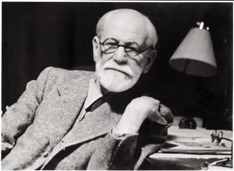 Freud lisant et écrivant | Aisthesis | Scoop.it