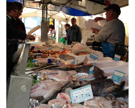 Une poissonnerie sur le marché de Sainte Foy la Grande | Vos achats Cœur de Bastide - 2013 | Scoop.it
